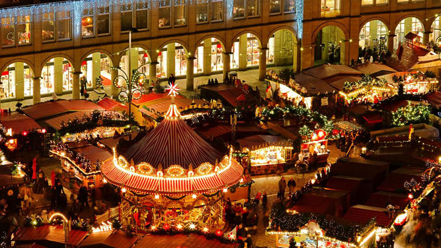 Christmas In Barcelona Spain.Three Typical Christmas Markets Around Spain